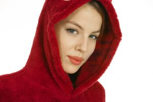 Hey there lil red riding hood, you sure are lookin good, cause you